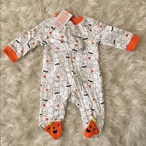 ~NEW Baby Ghost Sleeper with Hat Set